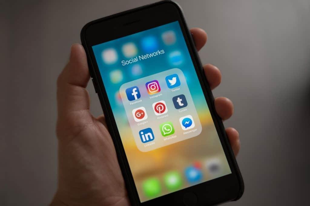 shopify experts in social media